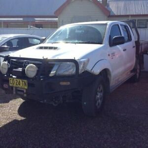 2012 Toyota Hilux KUN26R MY12 SR Double Cab White 5 Speed Manual Cab Chassis Raymond Terrace Port Stephens Area Preview
