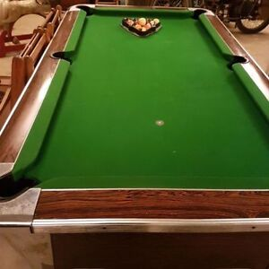 Pool table coin op 78X44