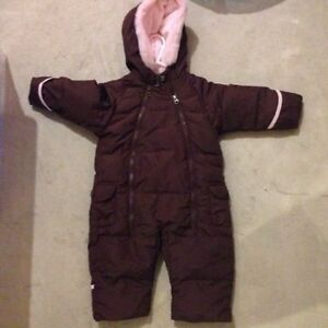 Gap Snow Suit Like New 6-12 Months