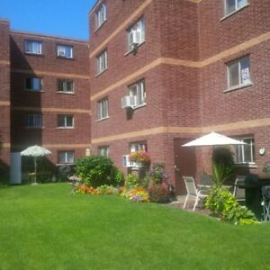 WHITBY--GORGEOUS--RENOVATED SUITE---AVAILABLE NOW--SENIORS