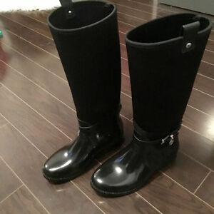 Michael Kors size 8 Rubber & Stretch boots black like new