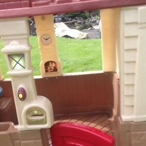 Basically new playhouse....Perfect Condition. Strathcona County Edmonton Area image 4