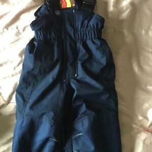 Hurlu Berlu Kids snow pants size 4T. AVAILABLE