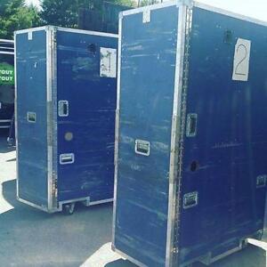 Boîte de transport sur roulettes/Brocante sur Terrebonne