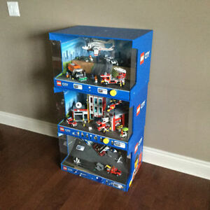 LEGO CITY DISPLAYS ** NEW PRICE !!