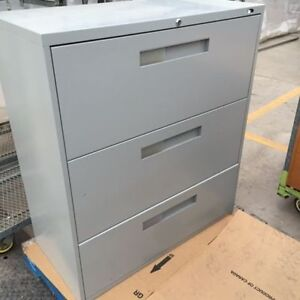 Filing Cabinets, perfect condition, 3 drawer metal