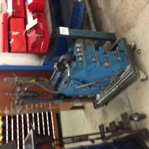 Hydraulic gear/motor puller with attachments