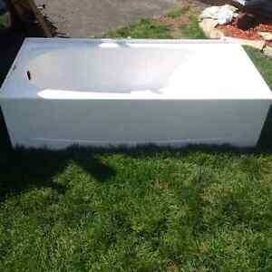 Bath tub with doors. Best offer takes it!