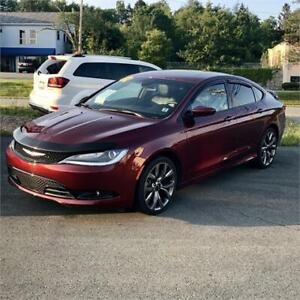 2016 Chrysler 200 S w/remote start/bluetooth/back up camera