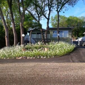 Move In Ready - Great Lakeview! - Manicured Yard