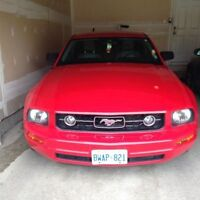 2007 Ford Mustang V6 Coupe (2 door) 70000KM, winter tires
