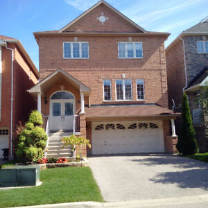 Renovated 4 brdm home for rent in Newmarket - Utilities Included