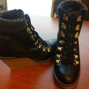 TownShoes womens 7.5 Boots