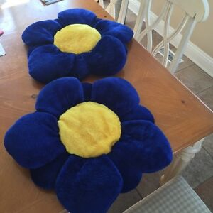 2 Large decorative flower pillows for sale