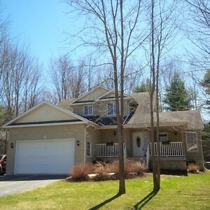 NEW PRICE! Country Living 10 minutes north of Orillia