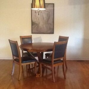 Ikea dining table/ 4 chairs/ Very solid&clean