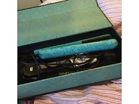 Aria Beauty Hair Straightener