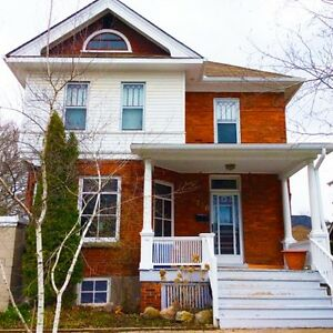 Downtown Collingwood home for RENT