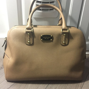 ***BRAND NEW*** Saffiano Leather Michael Kors Bag