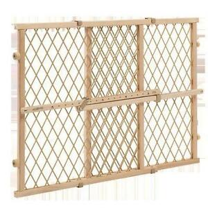 NEW Evenflo - Position and Lock Wood Safety Gate