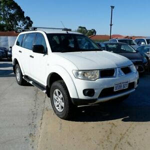 2013 Mitsubishi Challenger PB (KG) MY13 White 5 Speed Manual Wagon St James Victoria Park Area Preview