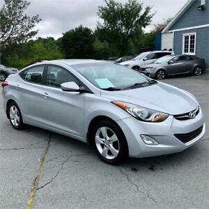 2011 Hyundai Elantra GLS w/front and rear heated seats/sunroof