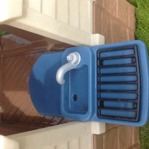 Want a CLEAN Basically New Playhouse inside for Winter? Strathcona County Edmonton Area image 2