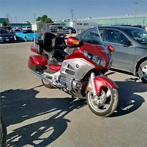 HUGH PRICE DROP  2012 Honda Goldwing