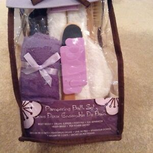 Pampering Bath Set- Brand New