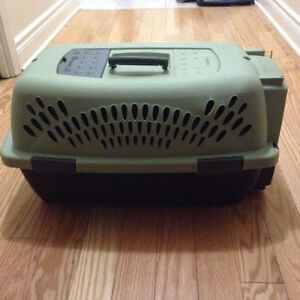 Small-Medium Sized Pet Carrier