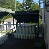 balançoire 3 places chaque  3 seater swing each  Can deliver to
