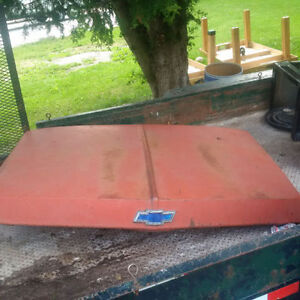Topper for sale off 2000 Serra Chevrolet,1970 Chevy Truck Hood London Ontario image 2