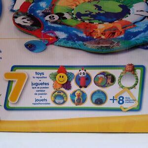 BABY EINSTEIN AROUND THE WORLD PLAY GYM/TAPIS D'ÉVEIL BÉBÉ EINST