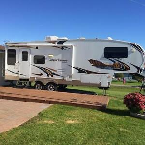 2012 Cooper Canyon 28' with Wood Porch