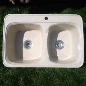 Double kitchen sink. Best offer takes it!