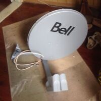 """BELL SATELLITE DISH- with """"TWO"""" DUAL """"HI-DEF"""" LNB's-like new $30"""