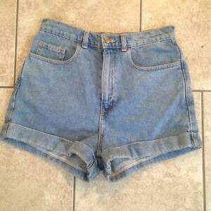 WOW Look 7 American Apparel Shorts Various Sizes !!!