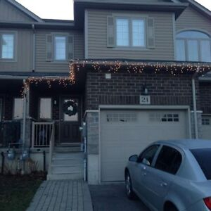 Premium 3 bdrm townhouse for rent - finished basement - Huron