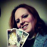 TAROT READER AVAILABLE FOR YOUR SATURDAY HALLOWE'EN PARTY!
