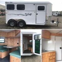 2 Horse Trailer with Weekend Package / Living Quarters