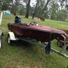 Speed boat 50 hp Mercury upfront steering Karuah Port Stephens Area Preview