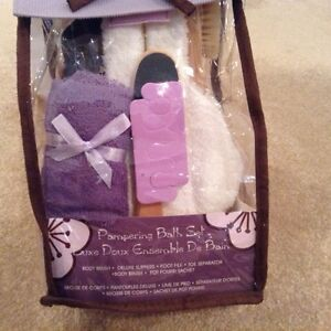 Pampering Bath Set- Brand New Pack