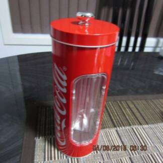 RED RETRO STRAW HOLDER Tarneit Wyndham Area Preview