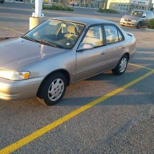 2000 Toyota Corolla LE Sedan (E-Tested) low KMs