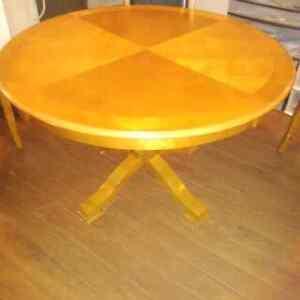 Dining table set  Kitchener / Waterloo Kitchener Area image 1