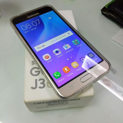 New Samsung Galaxy J3 J36 J320fn 8gb 4g Gold Unlocked In South Shields Tyne And Wear