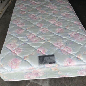 SUPER SINGLE MATTRESS *** PRICED VERY VERY LOW !!!
