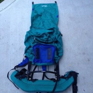 HIKING / CAMPING BACKPACK