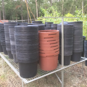 Pots - all different sizes Anstead Brisbane North West Preview