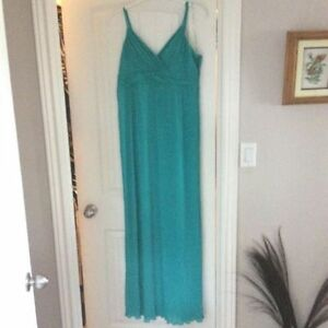 New - Long formal Dress size 18 fully lined